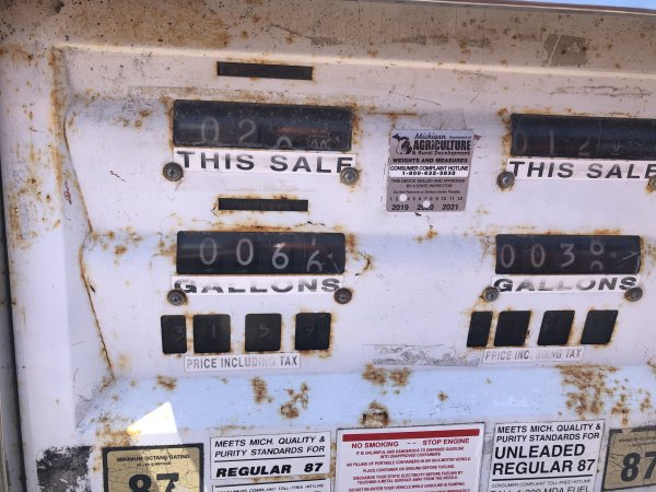 Gas prices in your area-d8c454c5-58f7-41f0-bdb8-ca5502672542-jpg