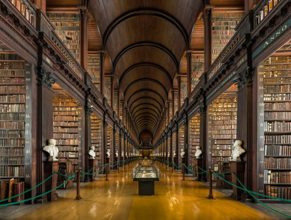 Lovely Bookish Pictures-huge-library-jpg