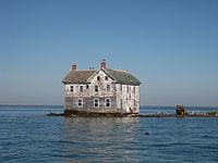 Name:  200px-Holland_Island_house.jpg Views: 43 Size:  5.1 KB